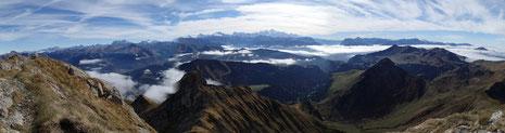 Une partie de la vue panoramique du sommet, direction Mt-Blanc. Grandiose!