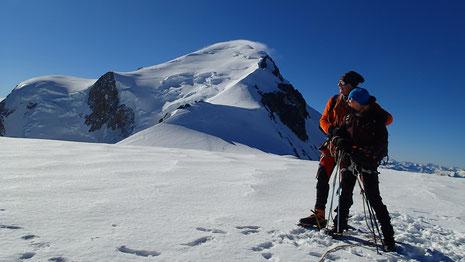 Françoise et Dom au sommet du Dôme du Gouter. Quelle vue !