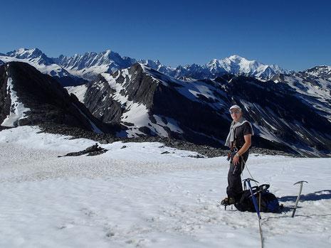 Le lendemain, sous le Col des Rosses, sur fond de Massif du Mt-Blanc