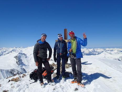 Avec Sophie et Benoit au sommet du Mittelgipfel, dans ce beau massif des Wildstrubel