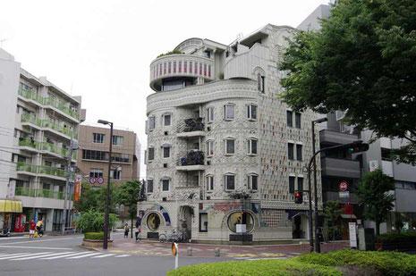 © robert baum tokyo, 20 June 2010