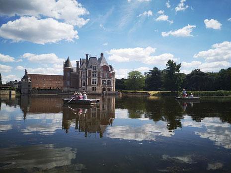 Le Château de la Bussière et son étang