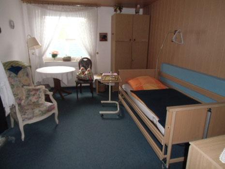 zimmer pension haus konstanze. Black Bedroom Furniture Sets. Home Design Ideas
