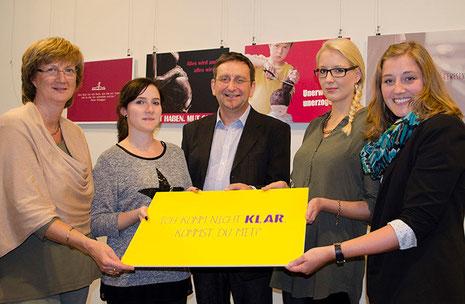 ©BSZW Foto: Birgit Ostens (SKF), Sophie Cassens (Mediengestalterin), Bernd Dittrich (BSZW), Diana Driftmeier (Mediengestalterin), Kathrin Wübker(Fachlehrerin BSZW)
