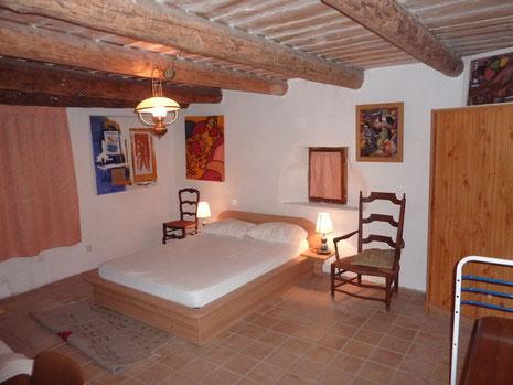 Chambres avec 2 fenêtres (rideaux fermés pour la photo)