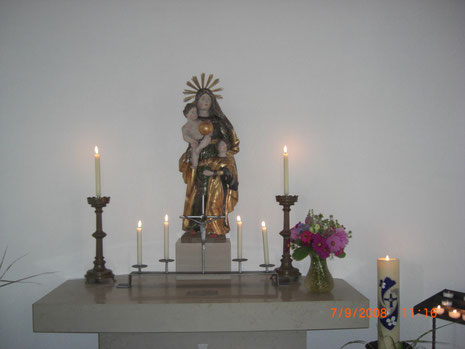 Statue der Hl.  Anna Selbdritt in der St. Anna-Kapelle bei den Wartburghöfen