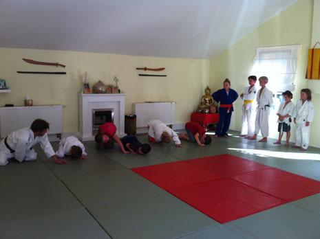 JSC Trainer Dirk Lehmann mit seine Trainingsgruppe
