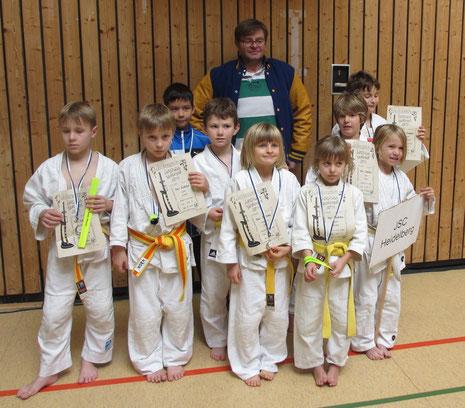 JSC Trainer Dirk Lehmann mit dem u10 Team