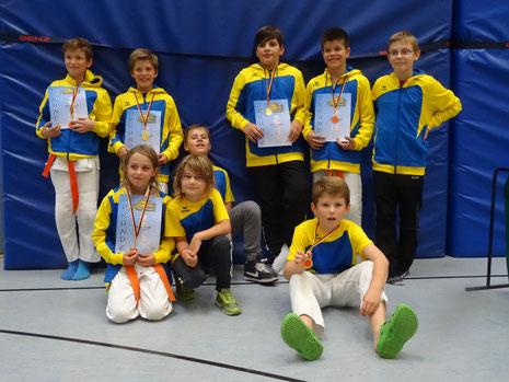 Erfolgreiche U12 JSC Judokas im neuen Vereinsoutfit