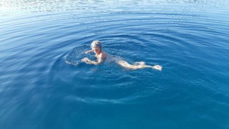 Morgendliches Bad bei Palia Trikeri