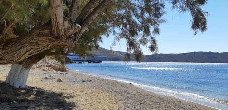 Livadaki-Strand neben dem Fähranleger