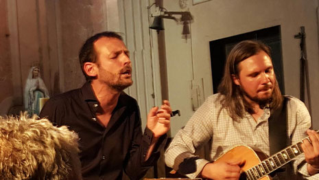 Sebastien Lafarge singt