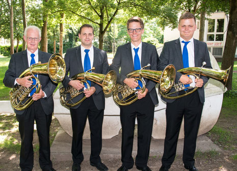 v.l.n.r.: Heinz Peter, Bernd Eichenlaub, Sebastian und Max Paul