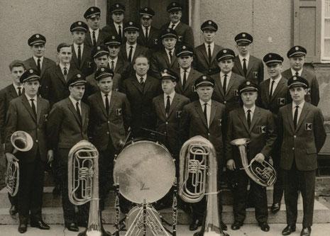 Die Kolpingskapelle in ihrer ersten kompletten Uniform im Jahre 1964