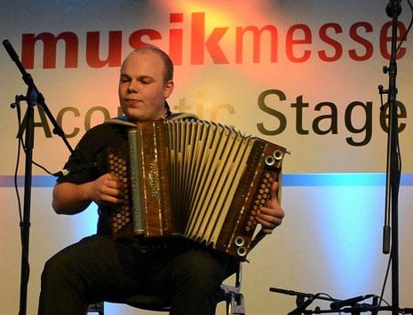 Lukas Höckel spielt BELTUNA Harmonikas
