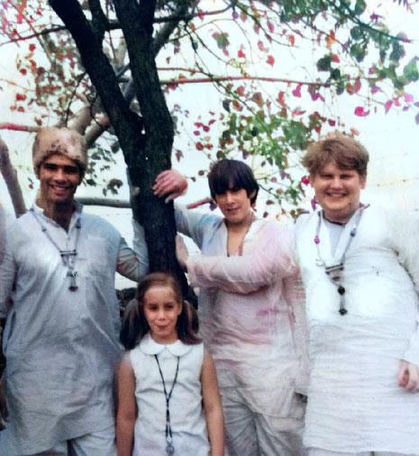 1969 : India ( R - L ) Raphael Rudd, Gregg Rosen, Leslie Rosen & Unknown