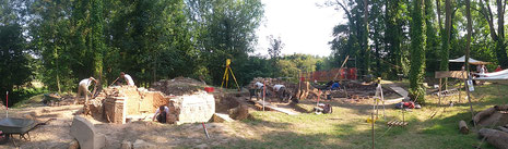 Vue panoramique du chantier de fouilles archéologique au château d'Eaucourt fin août 2016