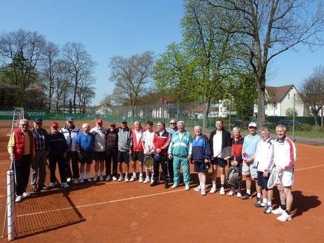 Teilnehmer des Turniers, ganz lks. Otto Herbst
