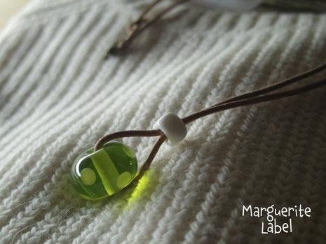 Muscat of Alexandria / Glass Beads