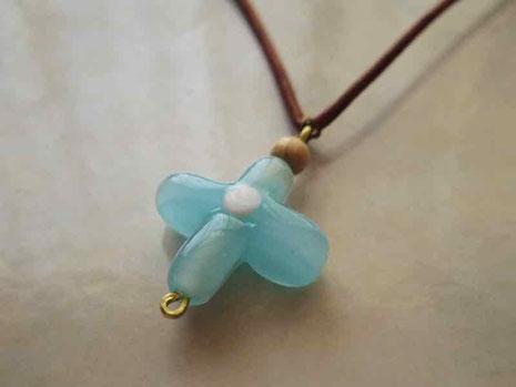 京都 手作り市にて出店販売 手づくりガラス ガラスの十字 ネックレス用チャーム