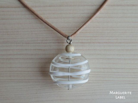 手作りガラスのアクセサリー マーガレットレーベル