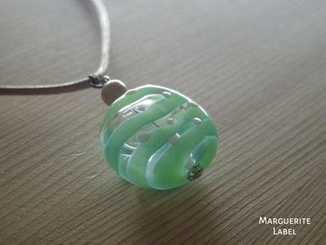 手作り市ガラスのネックレス