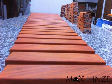Alle Klangplatten sind fertig geschliffen, Max Hinze selbst gebautes Marimba selbstgebautes Marimbaphon DIY