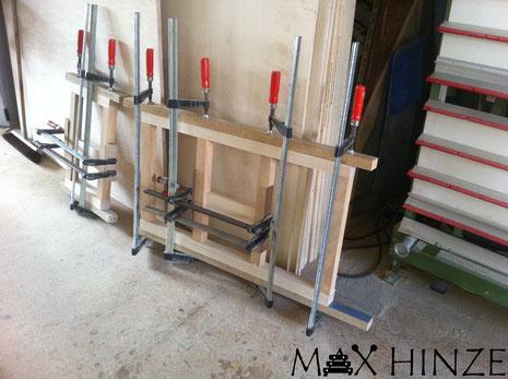 Marimbaphon Füße, Kleber trocknet, Max Hinze selbst gebautes Marimba selbstgebautes Marimbaphon DIY