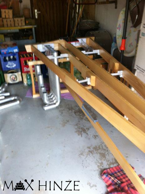 Einpassen der Resonanzrohrsegmente in den fertigen Rahmen, Max Hinze selbst gebautes Marimba selbstgebautes Marimbaphon DIY