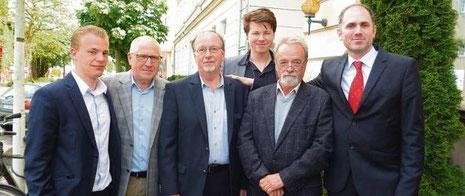 Der neue Vorstand des SPD-Kreisverbandes Wilhelmshaven (von links): Benjamin Detmers, Howard Jacques, Vorsitzender Hartmut Tammen-Henke, Kjell van Büren, Klaus Böther und Torsten Frank. Foto: Stein