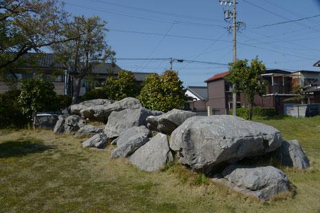 車塚古墳の石室石材
