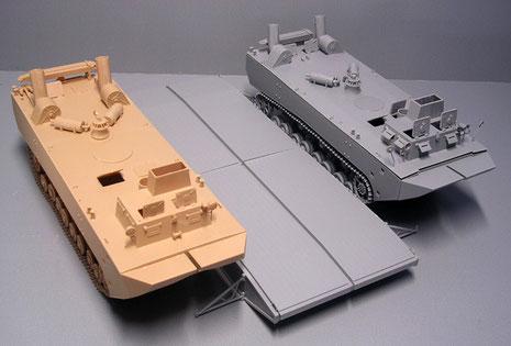 Hier der fertige Rohbau mit dem Fährenmittelstück, daß für den Transport eines 20-Tonnen Panzers ausgelegt war.