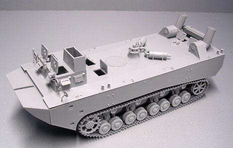 Der Rohbau der Dragon Ausführung zeigt den Prototyp II mit nur noch 2 Ansaugrohren am Heck.