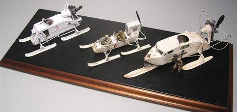 Von links nach rechts: Aerosan NKL-26, Aerosan -RF-8, Aerosan Kabinenschlitten als Beutefahrzeug