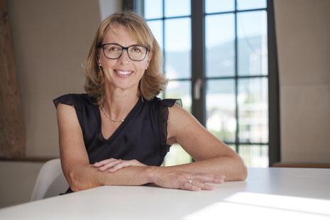 Susanne Kammermeier, ich biete Coachings und Kurse zur gewaltfreien Kommunikation in Solothurn an
