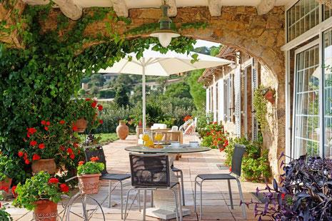 Les plus belles villas, maisons de charme à louer pour les vacances en Costa Brava Espagne