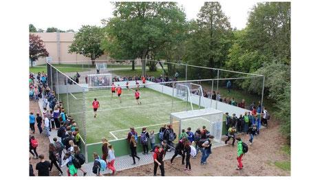 Bild eines multifunktionalen Spielfeldes