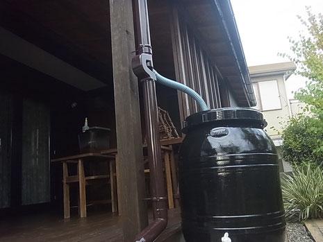 熊本市I様家に取り付けた雨水タンクブラック