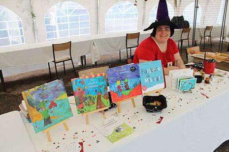 La sorcière illustratrice Cloé Perrotin au Festival Les Lithaniennes 2017 au château de Varzy dans la Nièvre