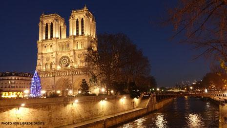 Noël à Notre Dame de Paris, photo non libre de droits