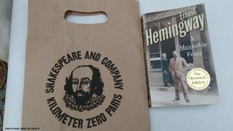 Un livre, une librairie, photo non libre de droits