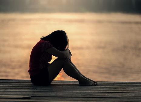 Von Natur aus unglücklich im Leben und 3 Glücks-Strategien damit umzugehen