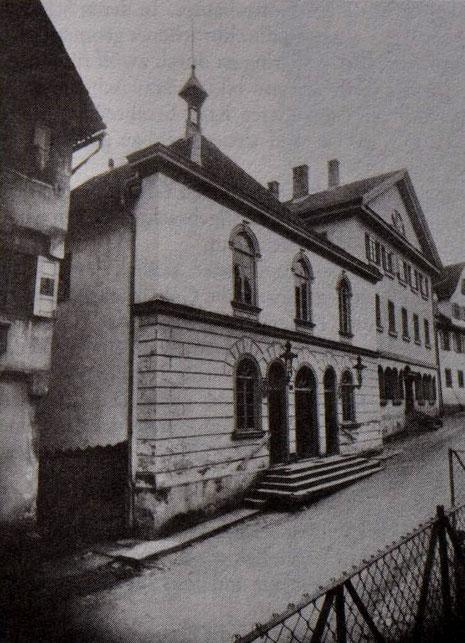 Synagoge Hechingen um das Jahr 1900, dah. d. jüdische Schul- und Gemeindehaus. Foto: www.foto-keidel.de - Aus: M.Werner: Die Juden in H. als religiöse Gemeinde, ZHG 20/1984, Seite 147, Abb. 6