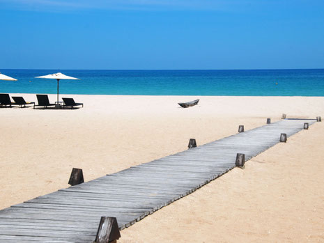 Prachtige strand van de oost kust van Sri Lanka