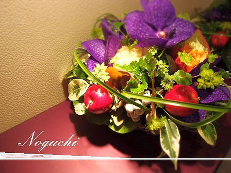 おしゃれなテーブル花