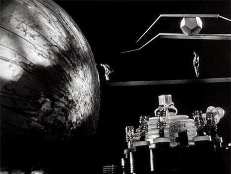 """Szenenfoto aus dem Film """"Auf U-17 ist die Hölle los"""" (The Atomic Submarine, USA 1959) von Spencer Gordon Bennett; das UFO-Innere"""
