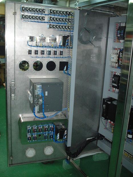製薬会社様の仕様での滅菌機機械の 制御盤です。