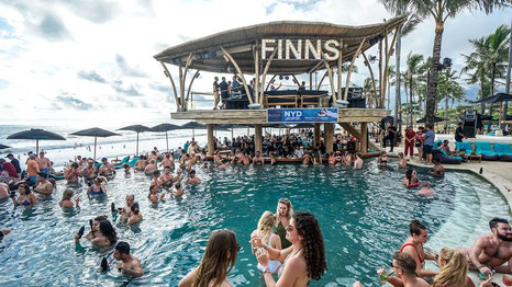 People partying at Finns in the Pool