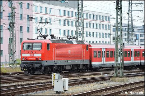 Am 15. Juli 2015 verlässt die bestens gepflegte 143 624-5 mit ihrem Zug Nürnberg Hbf.