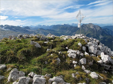 Gipfelkreuz Schiberg 2043 m. ü. M.